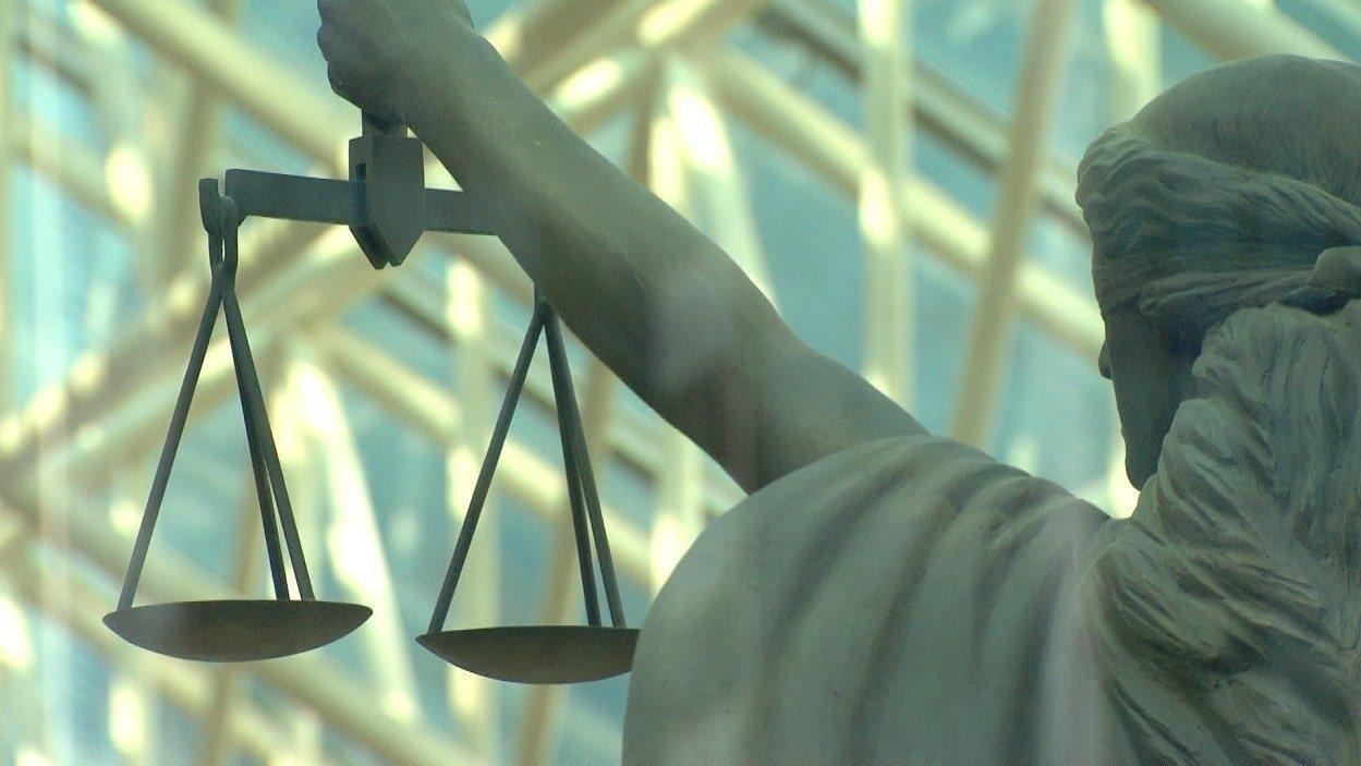 5 adolescents arrêtés pour le viol présumé d'une fille de 13 ans