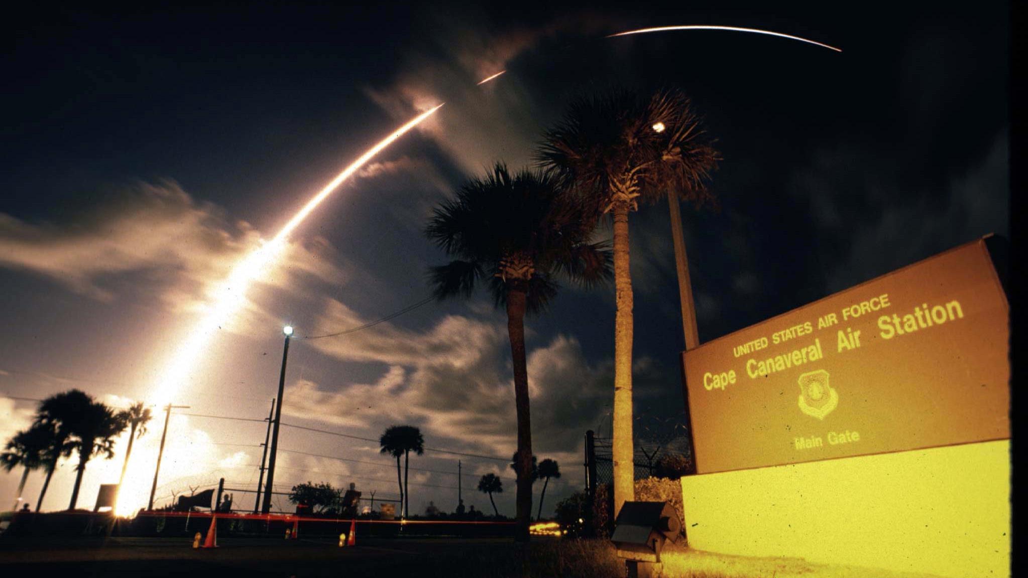 Une fusée Titan 4B décolle du cap Canaveral