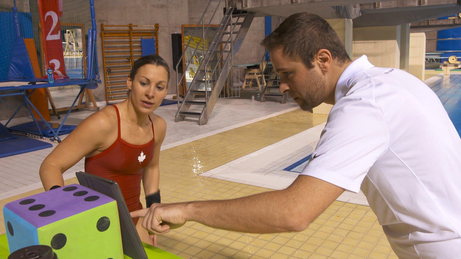Lysanne Richard s'entraîne au Complexe sportif Claude-Robillard de Montréal en compagnie de Stéphane Lapointe, entraîneur-chef du club de plongeon CAMO.