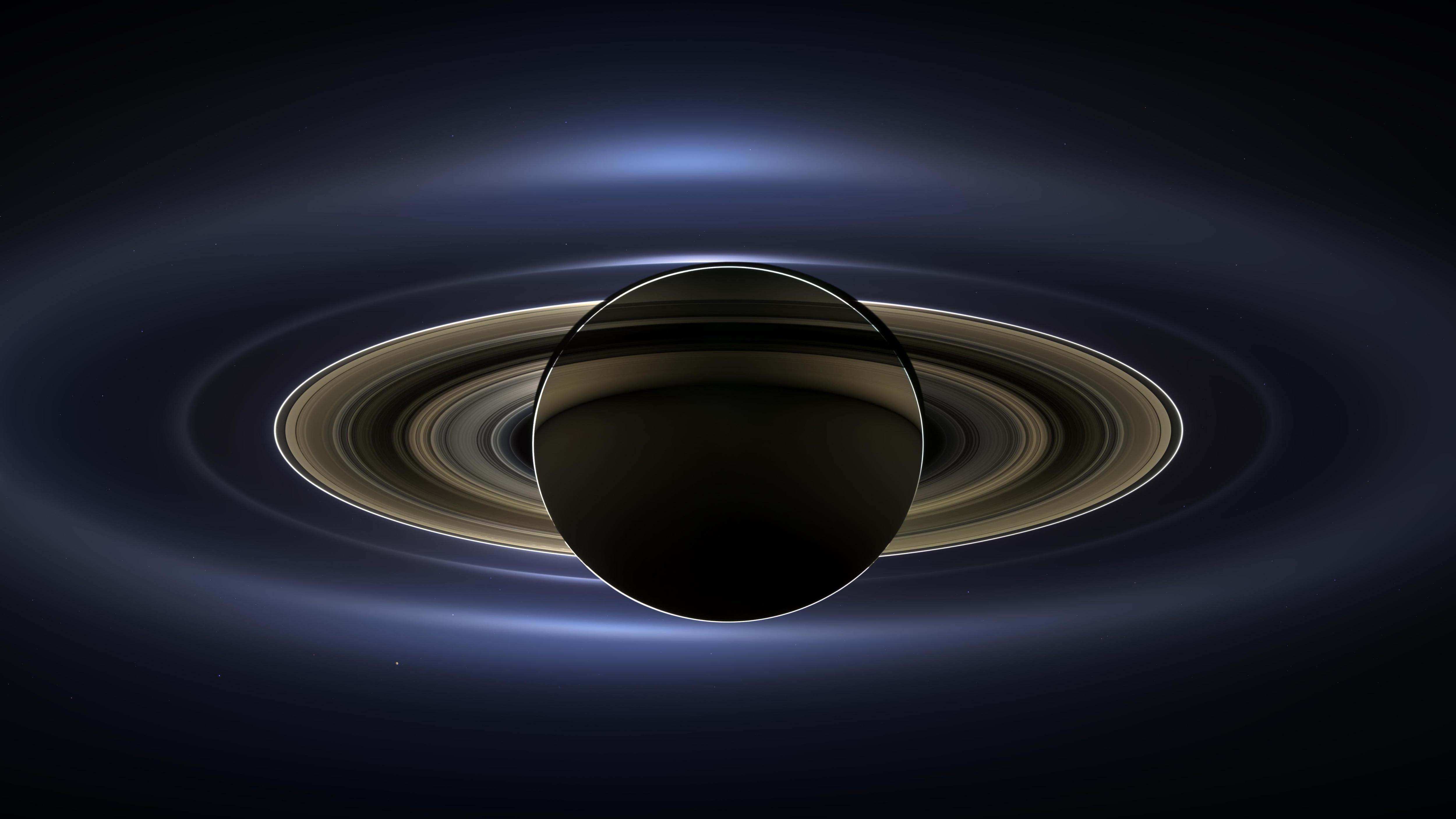 Cassini a photographié Saturne au moment où elle éclipsait le Soleil