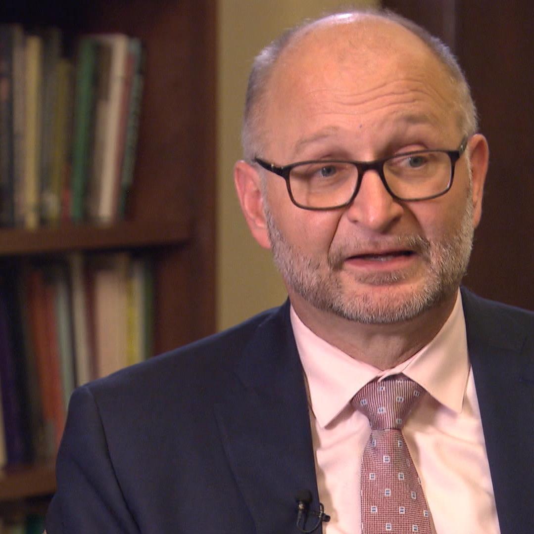 David Lametti, el ministro de la justicia cree que el gobierno no debe dictarle a los ciudadanos lo que pueden llevar puesto o no.