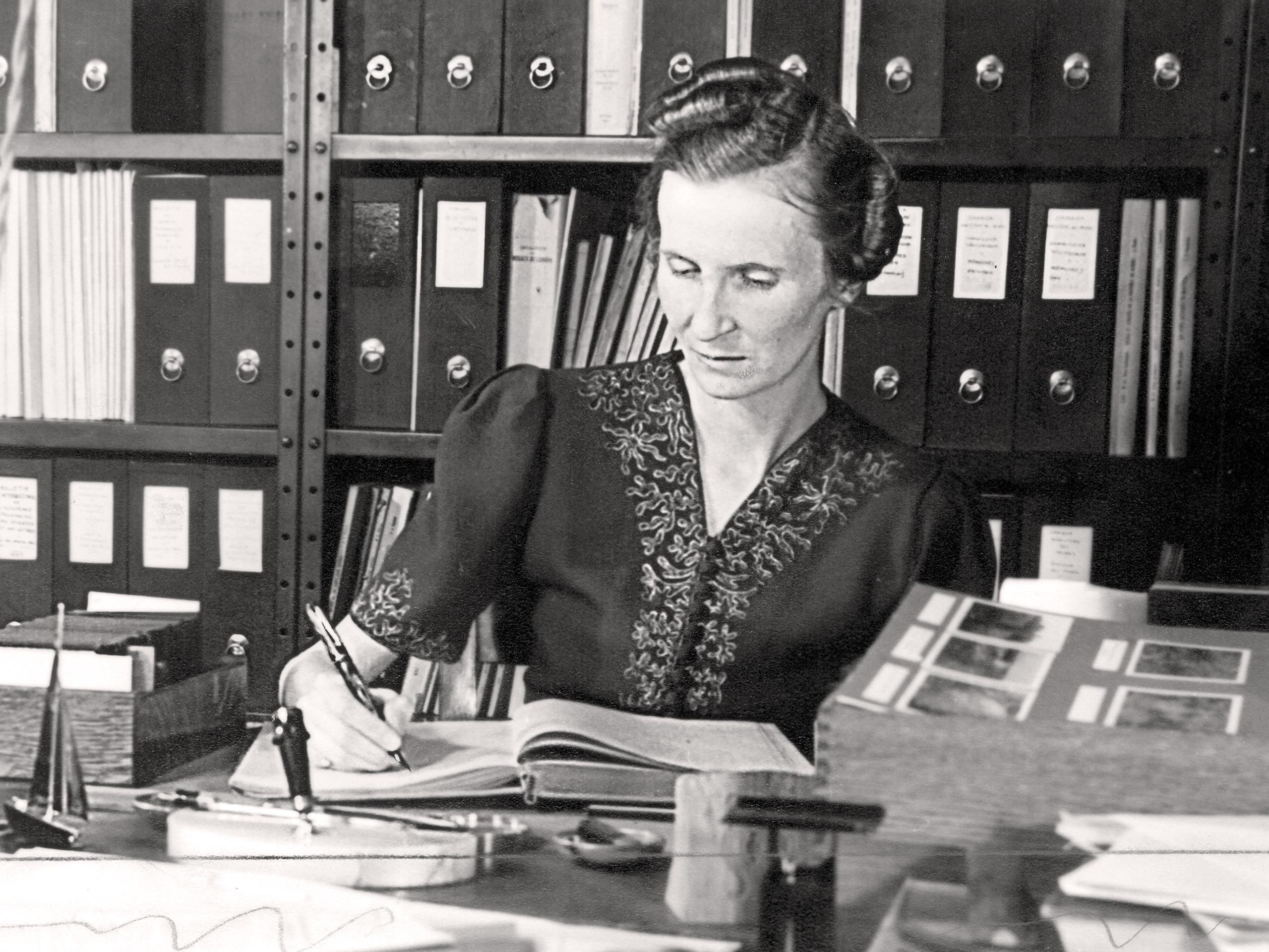 Marcelle Gauvreau à l'Institut botanique (1939)