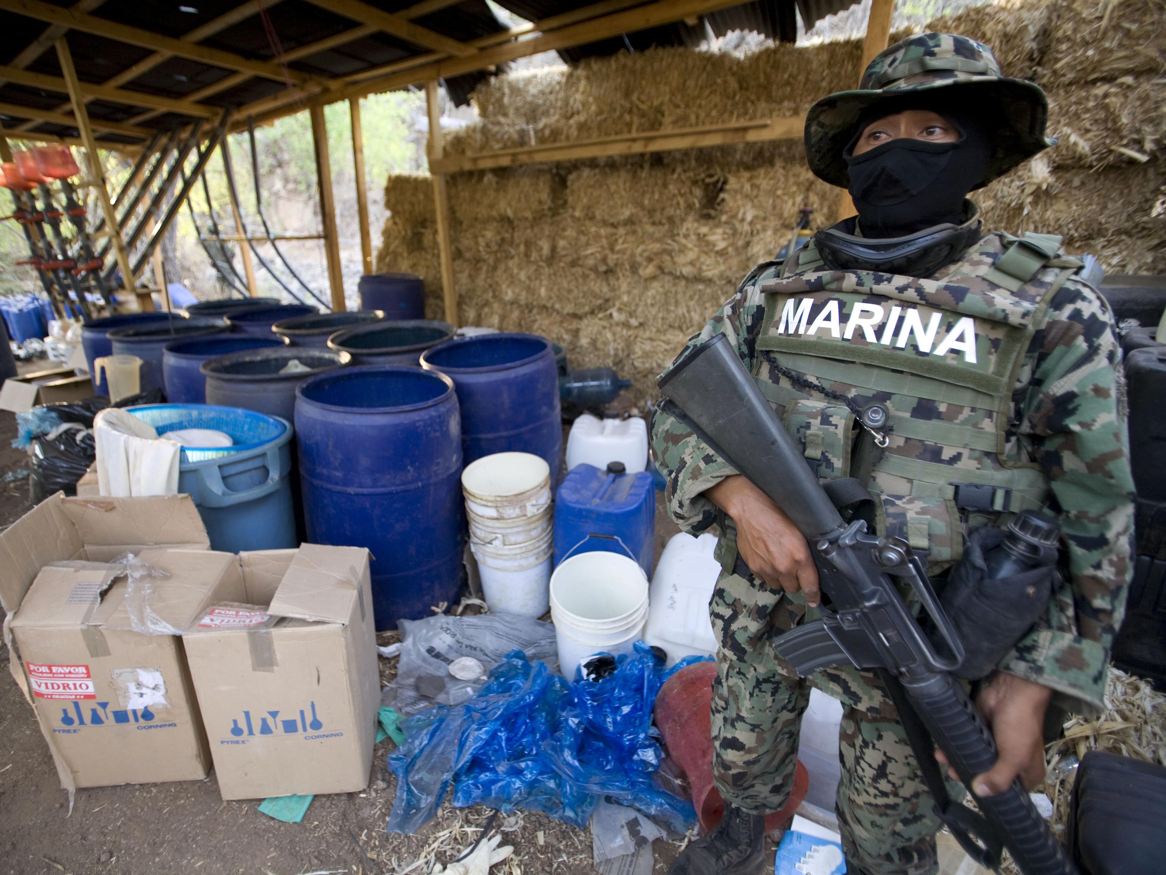 Laboratoire clandestin de drogue dans l'État du Sinaloa, au Mexique
