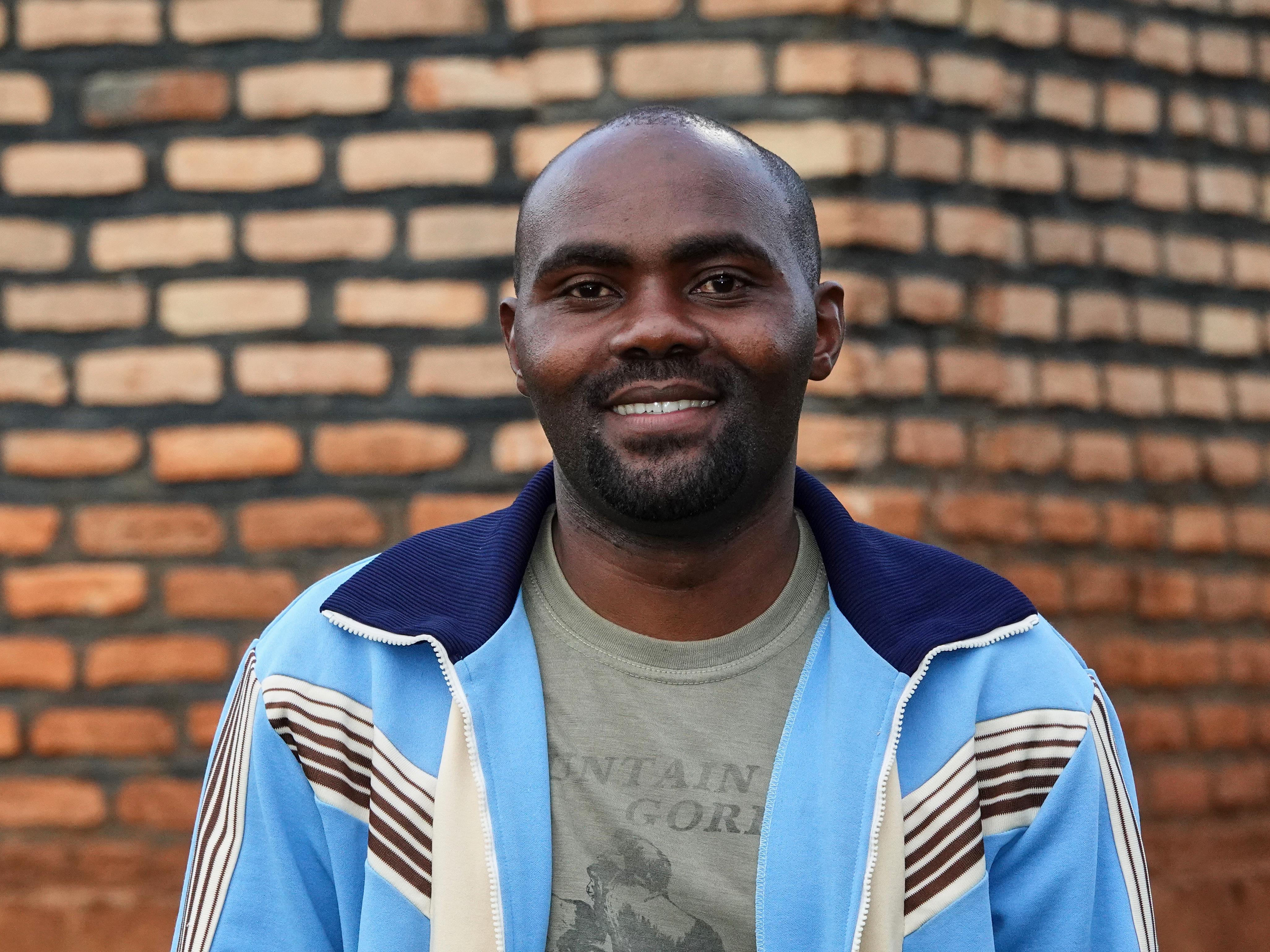 Le visage souriant du guide Anacret Nsengiyumva.