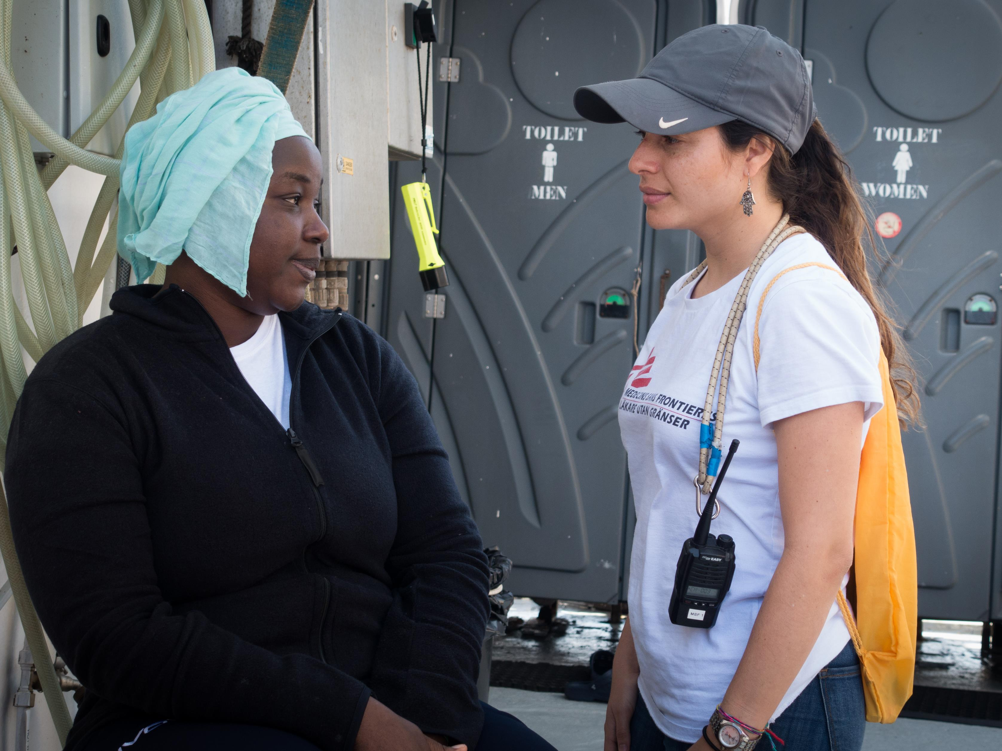 Catalina Arenas de MSF recueille les témoignages des migrants et prend note de toutes les violations des droits de la personne.