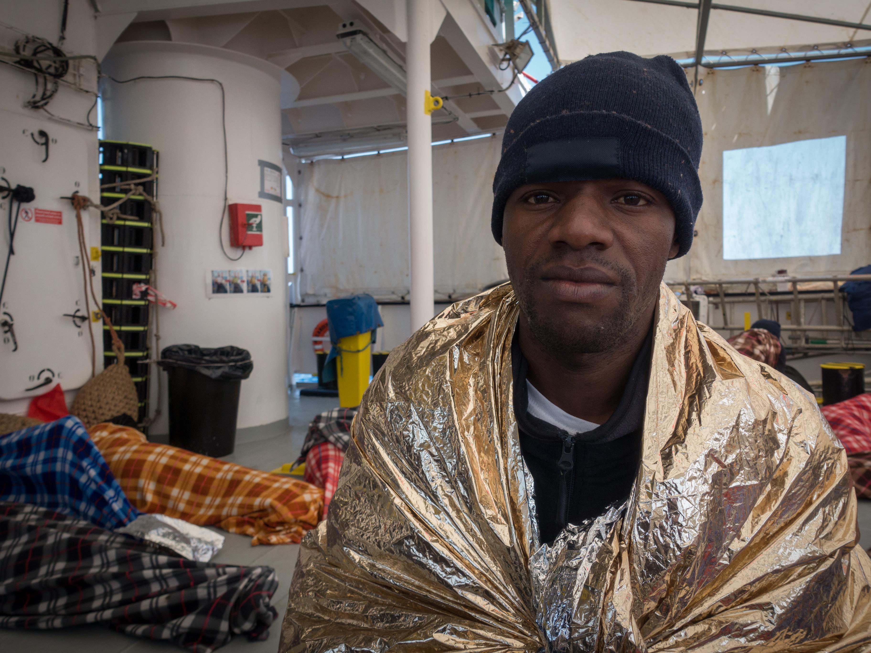 Mamadou Sally Diallo espérait trouver un emploi en Libye. Mais comme plusieurs migrants, il a été retenu contre son gré, battu et forcé de travailler dans des conditions inhumaines.