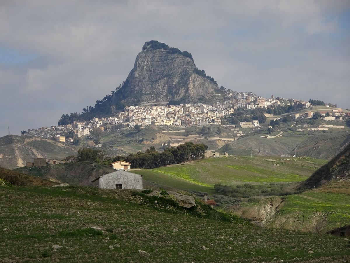 L'exemple de Sutera a fait des émules. D'autres villages de la région se sont joints depuis au projet.