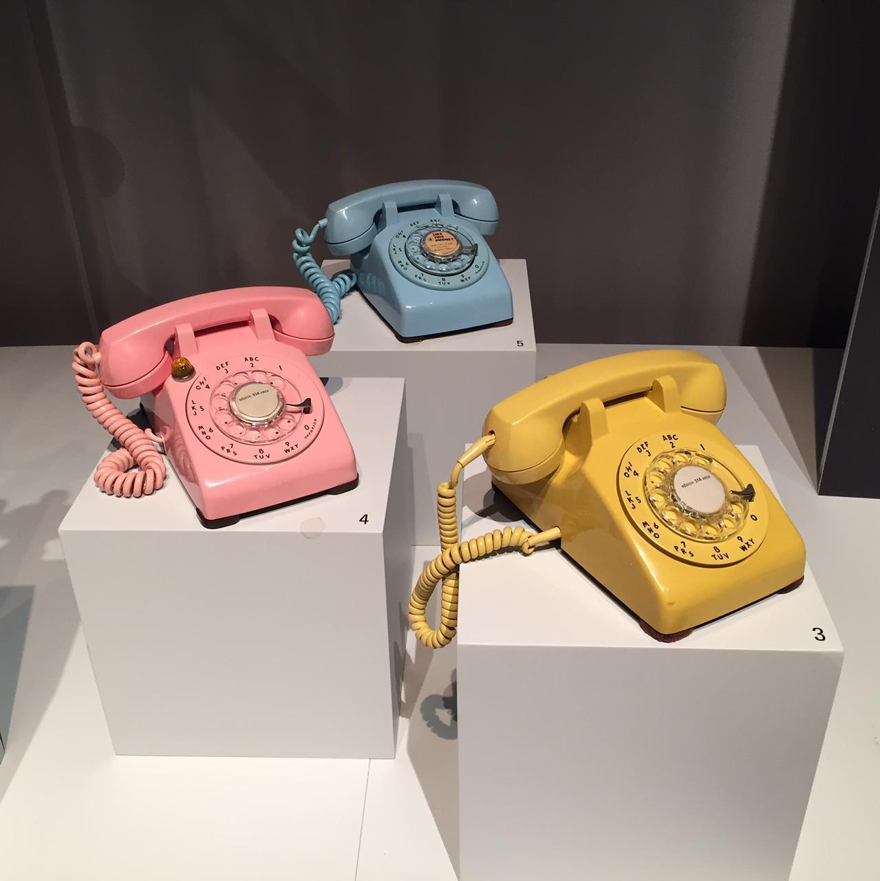 Téléphone datant du Canada