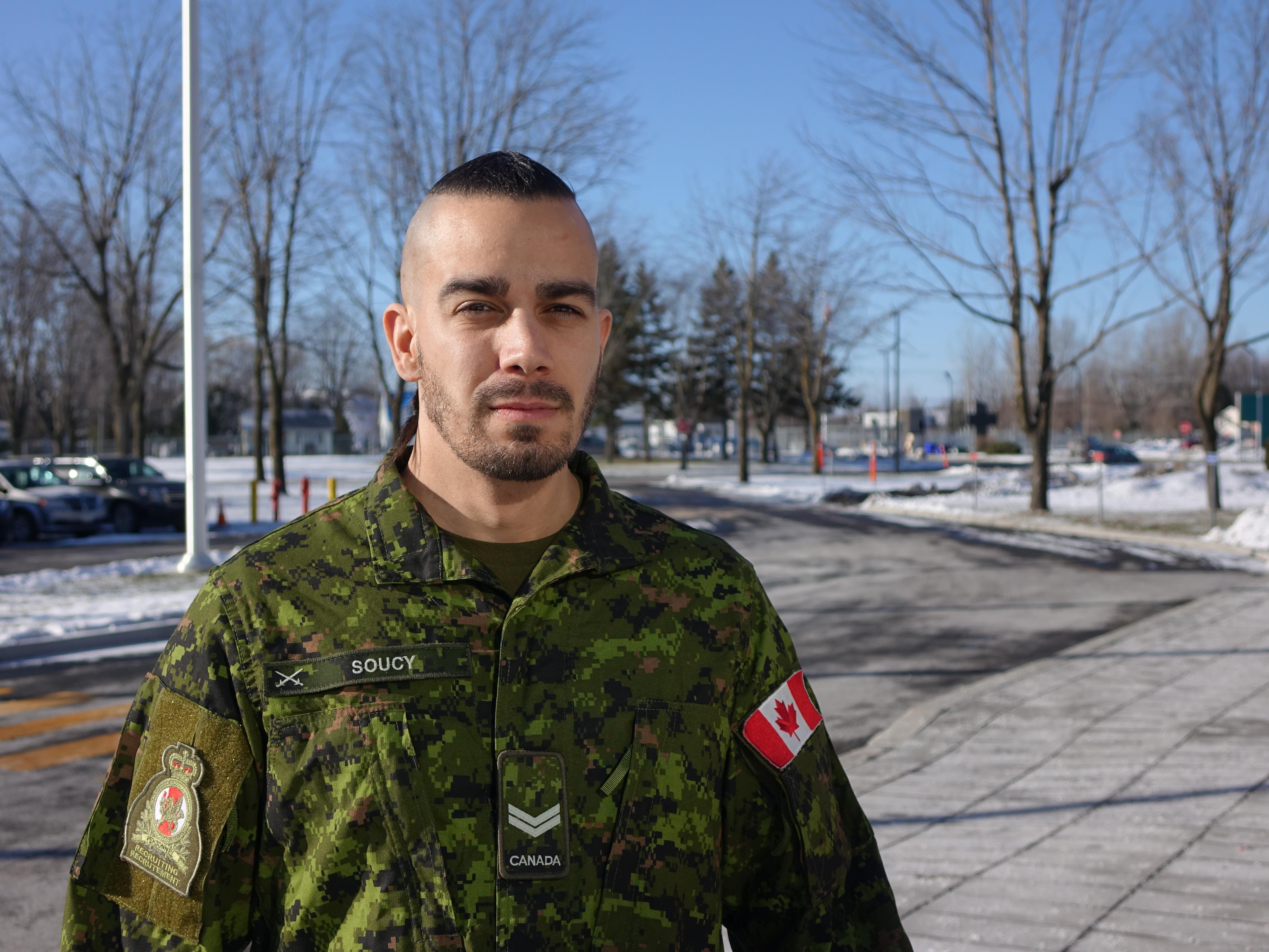 Rencontre quelqu'un dans l'armée canadienne