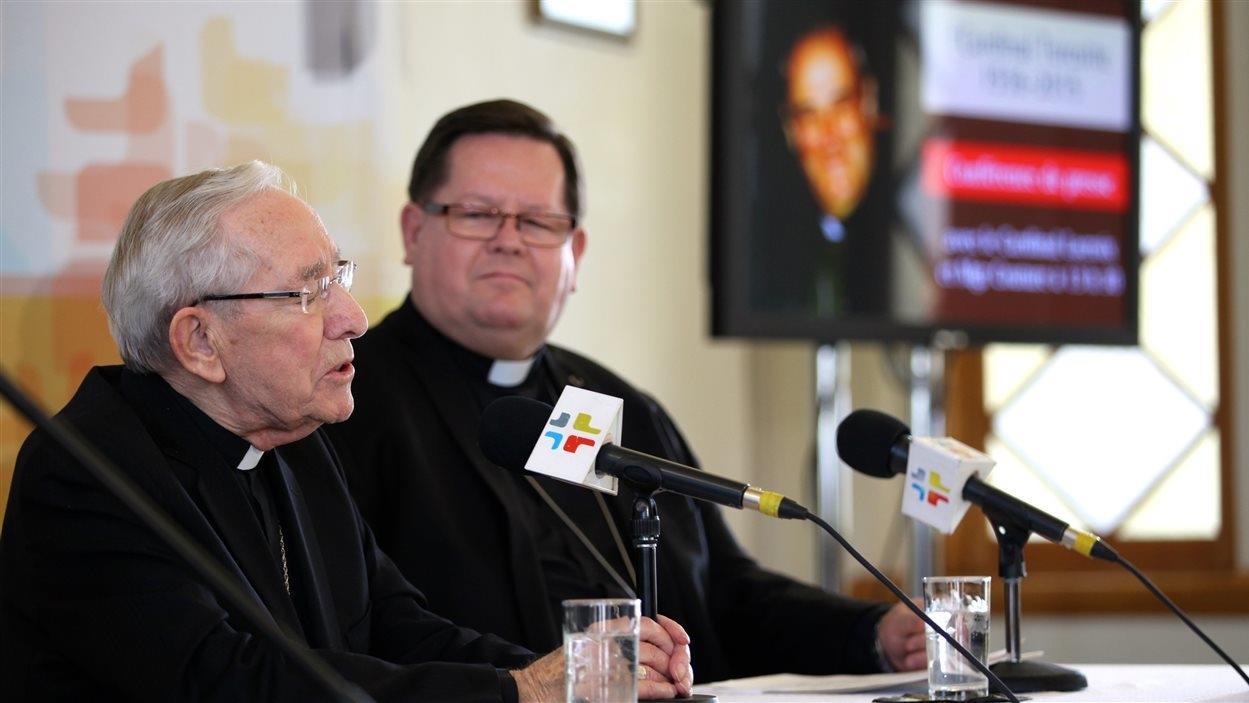 Mgr Maurice Couture et l'archevêque de Québec, Mgr Gérald Cyprien Lacroix.
