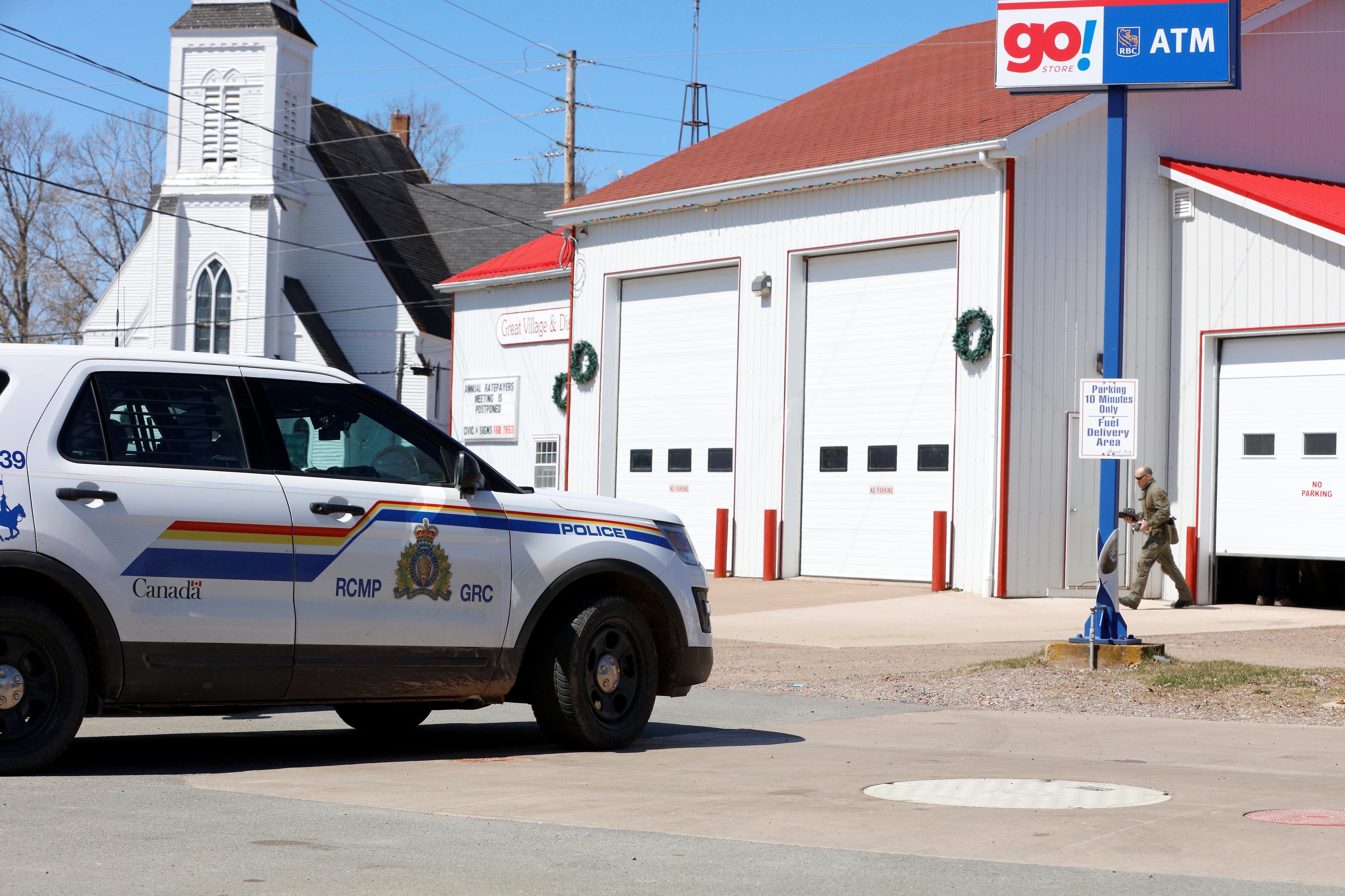 Canada: un homme abattu après avoir tué