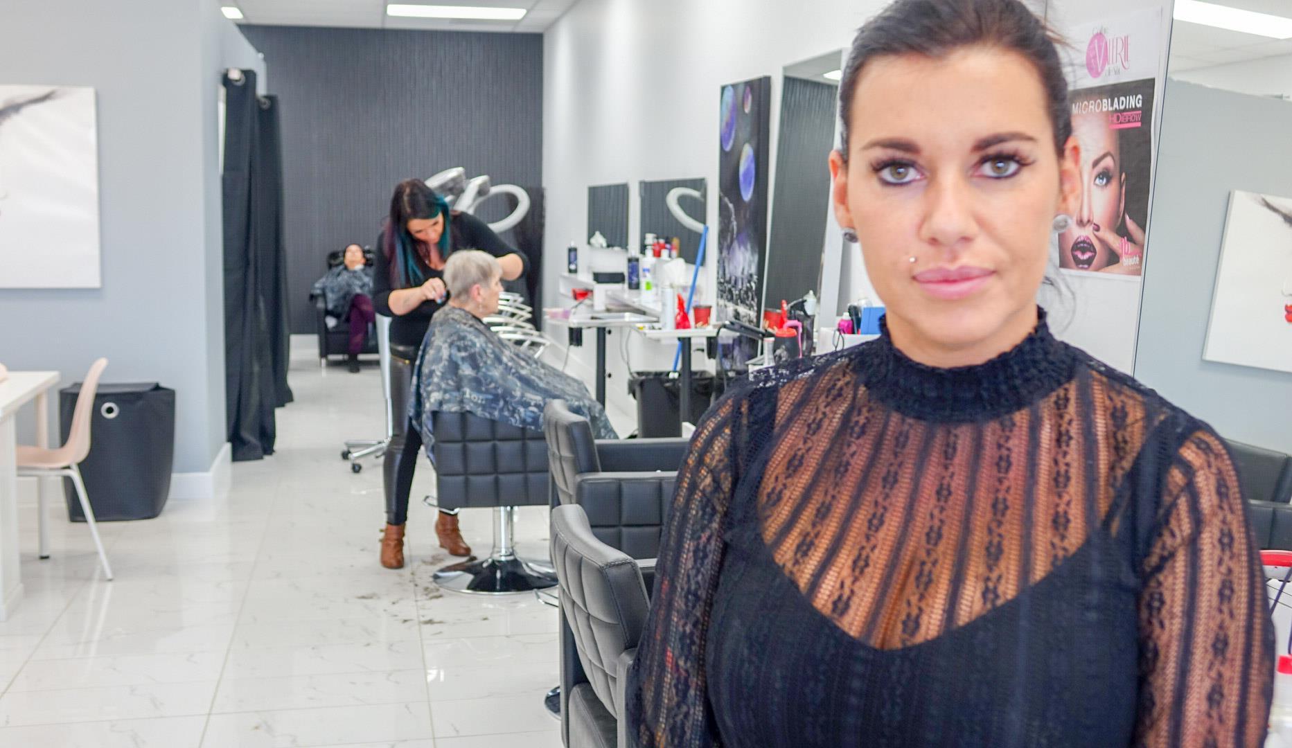 pénurie de main-d'oeuvre dans les salons de coiffure   radio