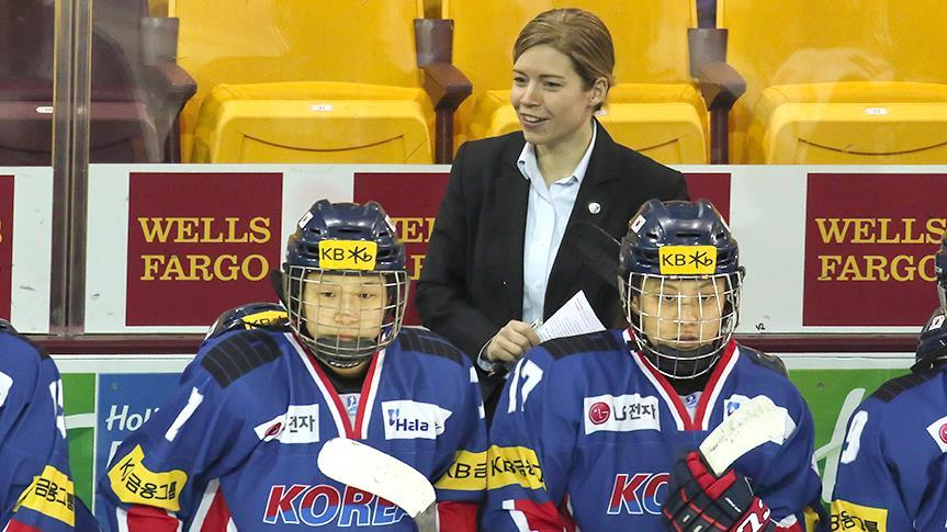 Sarah Murray, entraîneuse de l'équipe coréenne de hockey et diplomate malgré elle