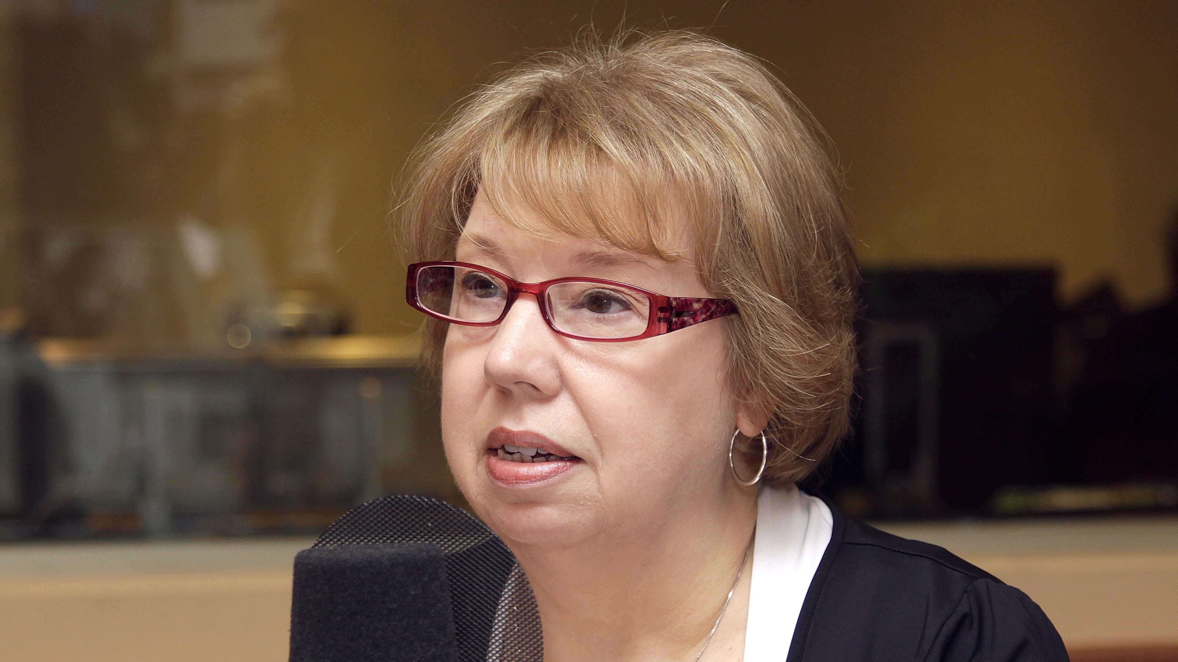 Josée Legault dans le studio 18 de Radio-Canada