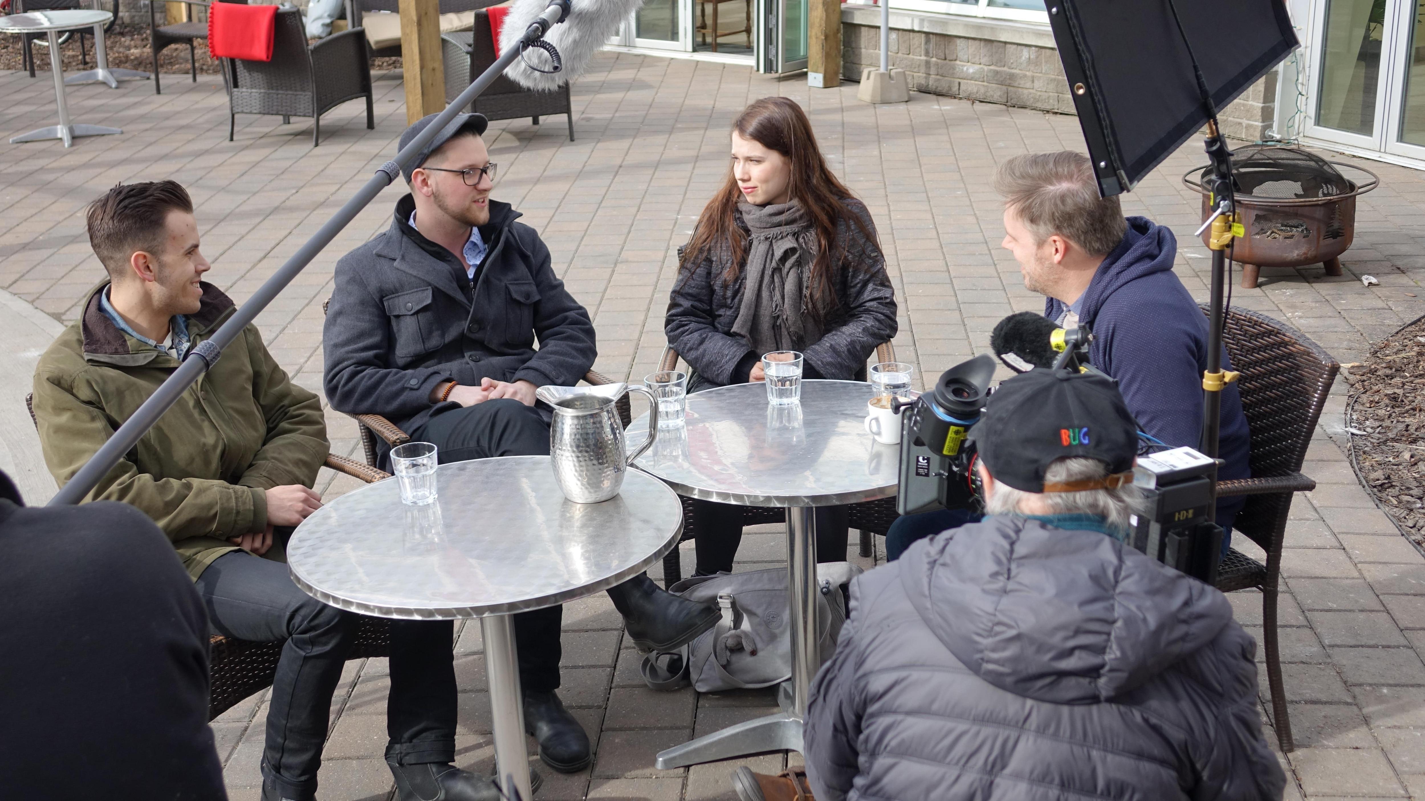 Paul Cournoyer, Zakk Cormier et LauMa en entrevue avec Jean-François Breau à la Cité francophone d'Edmonton.