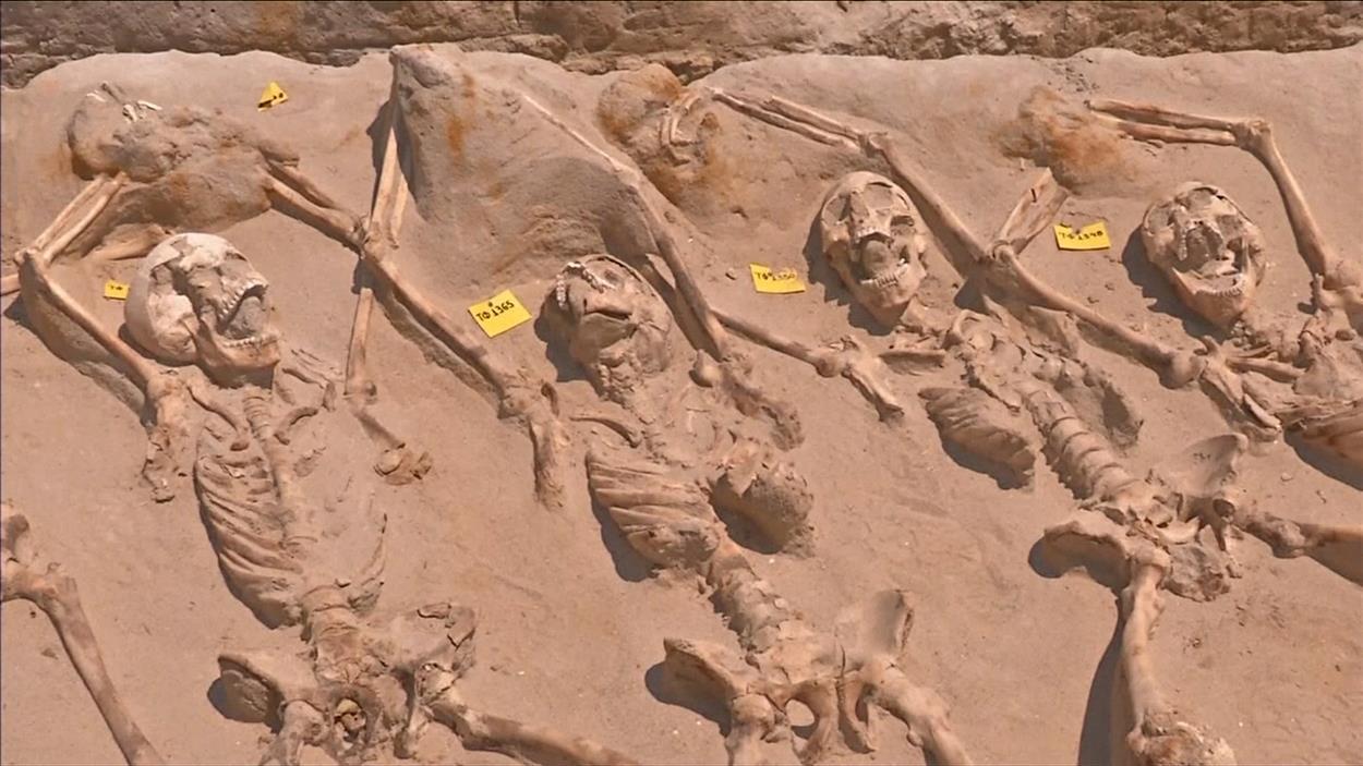 Des squelettes menottés retrouvés dans un cimetière antique d'Athènes