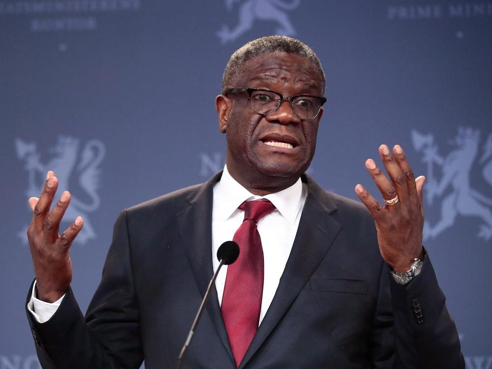 Au micro, le médecin Denis Mukwege.