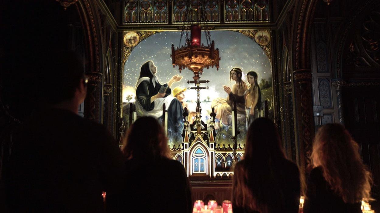 Une des projections d'AURA, créée par Moment Factory à la basilique Notre-Dame à Montréal