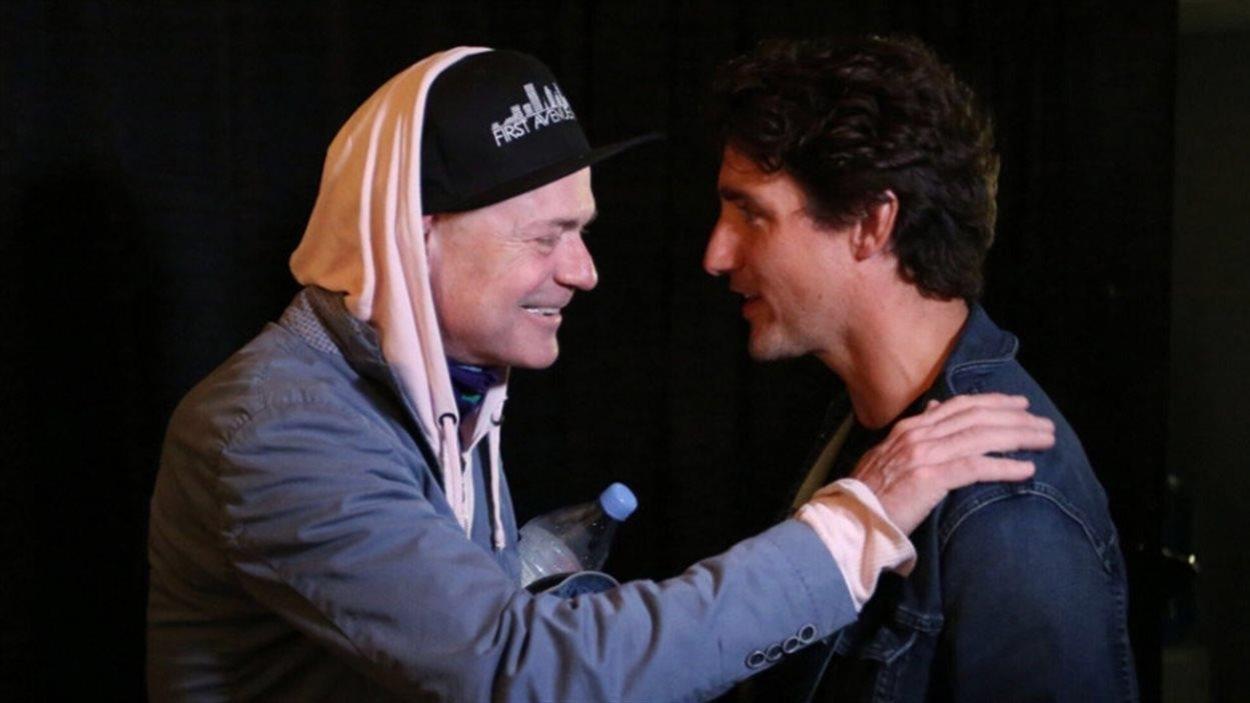 Photo de Justin Trudeau et de Gord Downie