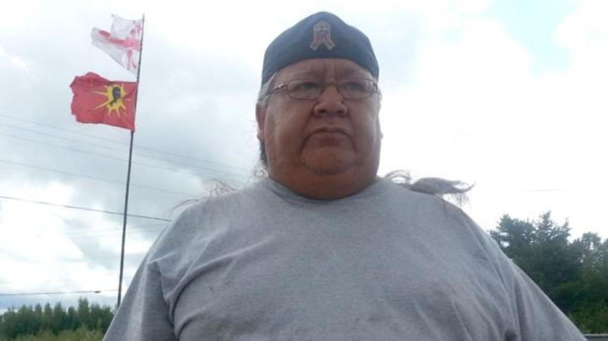 Le chef des Warriors d'Elsipogtog, John Levi, estime que les gouvernements devraient concentrer leurs efforts dans l'amélioration des conditions de vie des autochtones plutôt que de dépenser des millions de dollars pour les célébrations du 150e anniversaire du Canada.