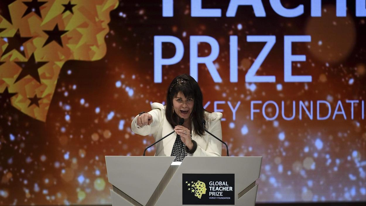 Maggie MacDonnell a remporté le Global Teacher Prize contre 20 000 candidats de partout dans le monde.