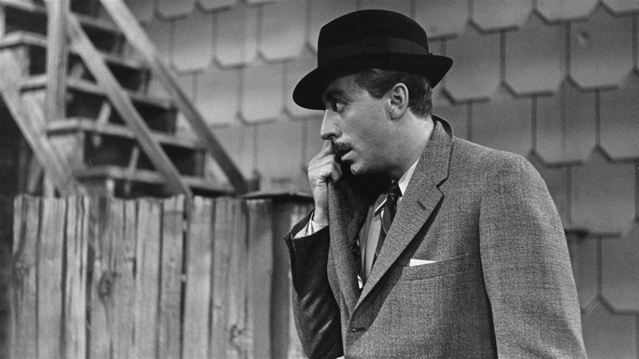 Gaston Huot (Paul Hébert), dans «Quatuor» télédiffusé en 1957.