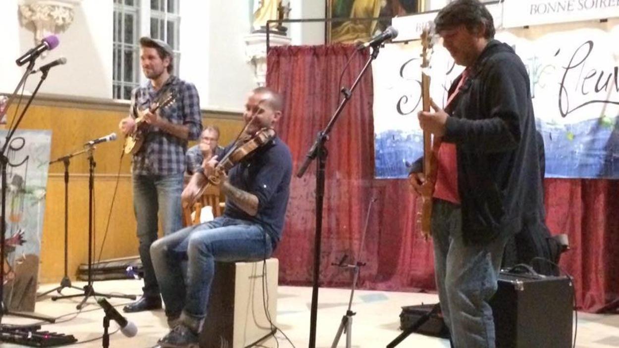 Le trio Nicolas Pellerin et les Grands Hurleurs