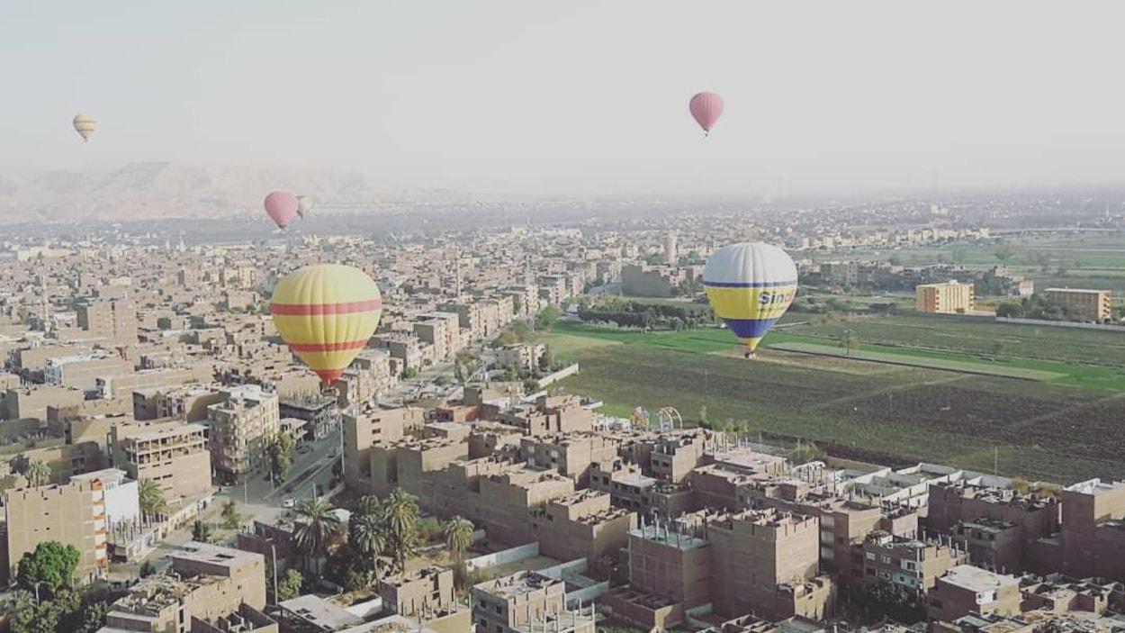 La ville de Louxor, en Égypte, vu des airs