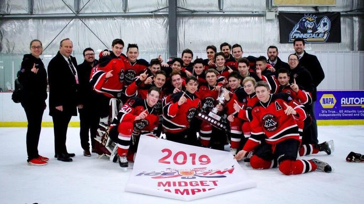 Les Flyers de Moncton remporte le East Cost IceJam dans la catégorie Midget AAA