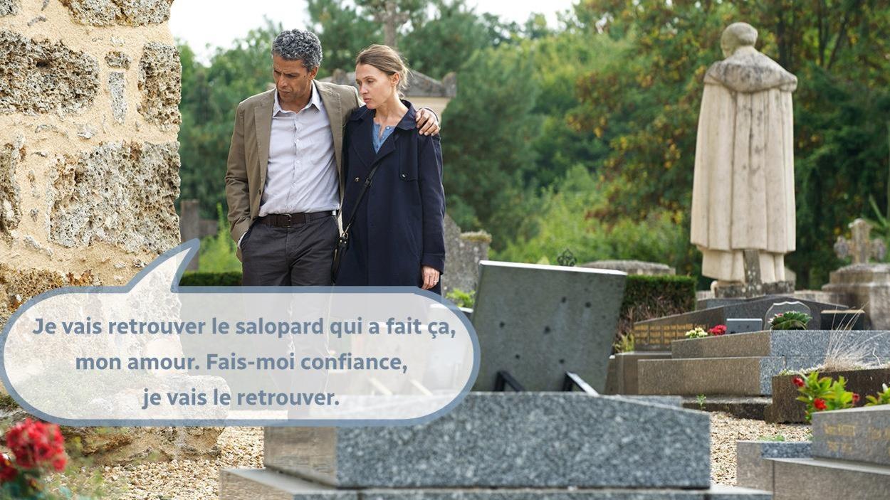 Une réplique ajoutée sur une photo du film, avec un couple dans un cimetière.