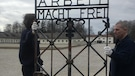 Le camp de concentration de Dachau a récupéré sa célèbre porte