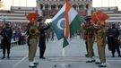 La frontière indo-pakistanaise, théâtre d'une cérémonie bien particulière