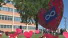 Des coeurs en papier honorent les survivants métis des pensionnats (20-06-2017)