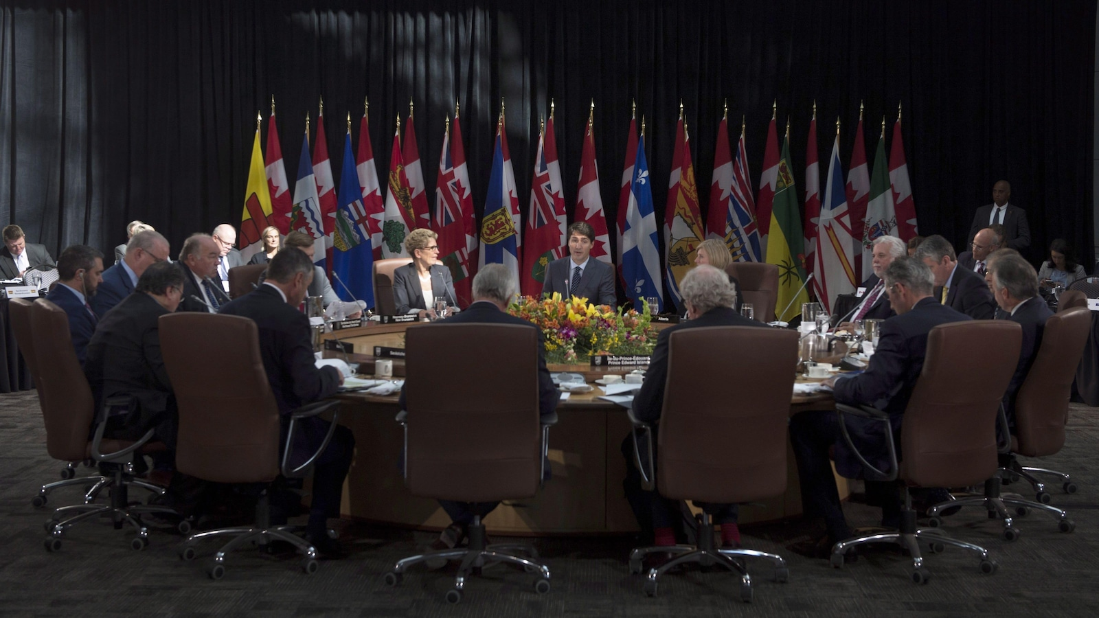 Prime Minister Justin Trudeau delivers remarks at the start of the second session at the First Ministers Meeting in Ottawa, Tuesday, October 3, 2017. THE CANADIAN PRESS/Adrian Wyld
