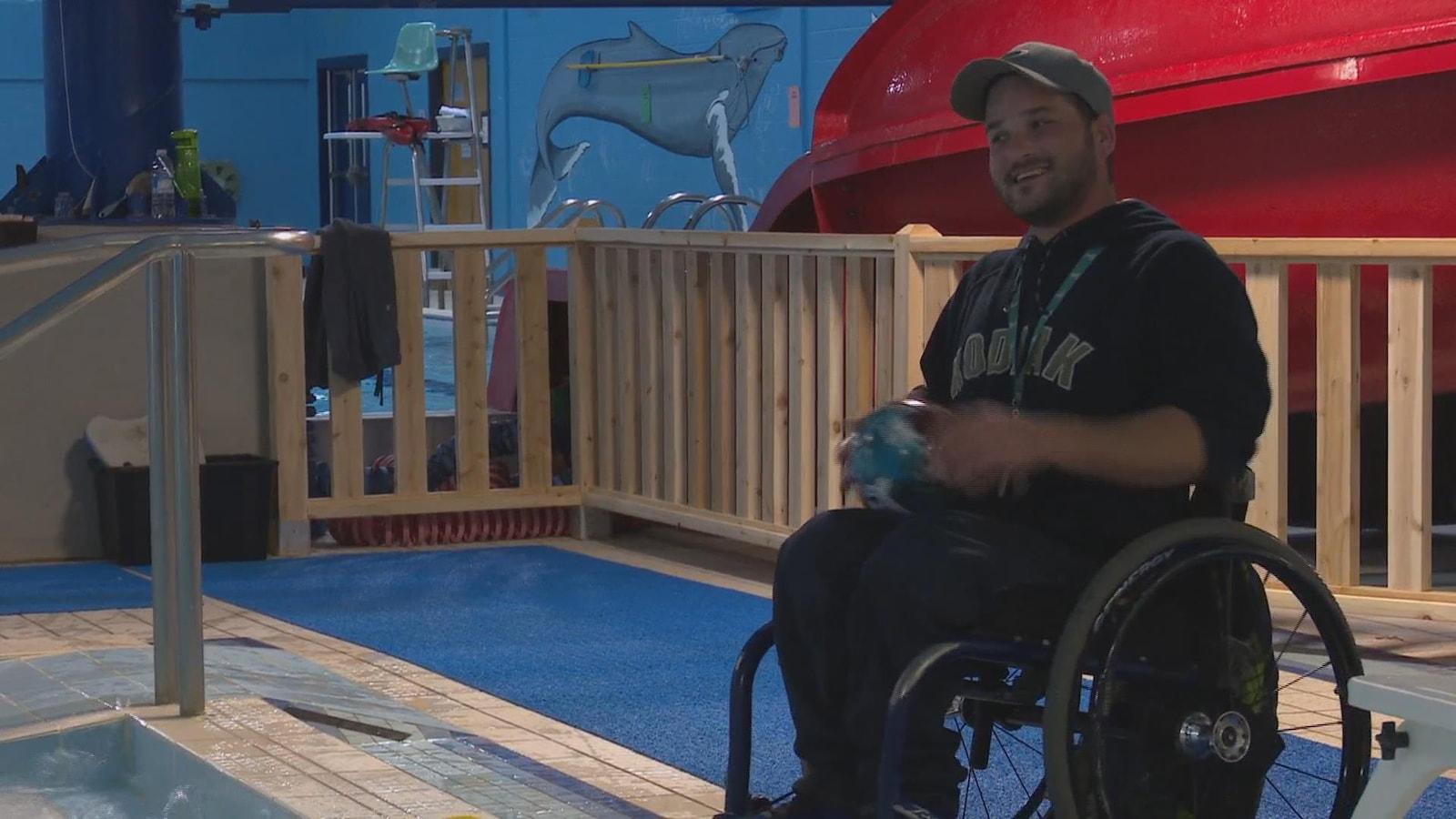 Cory MacIntosh, un employé du YMCA Campbellton.