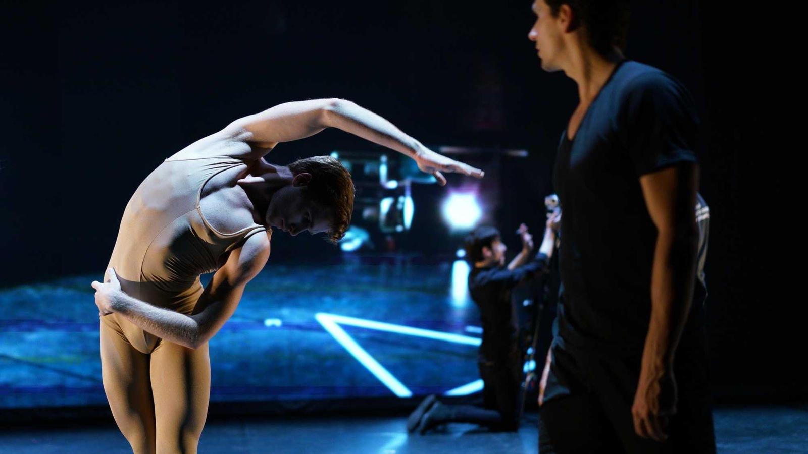 Les deux danseurs en répétition.