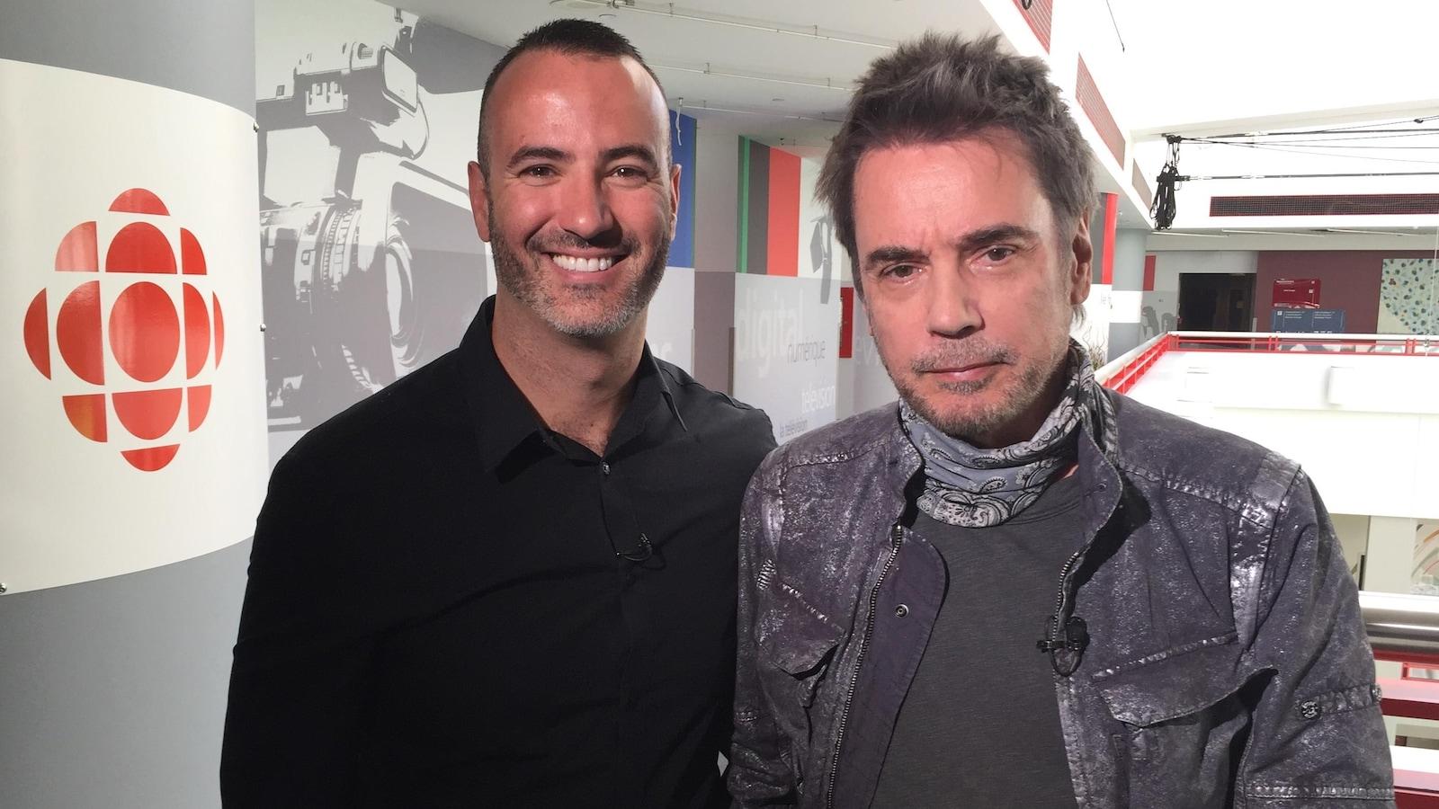 Portrait de Kevin et Jean-Michel dans les locaux de CBC/Radio-Canada à Toronto