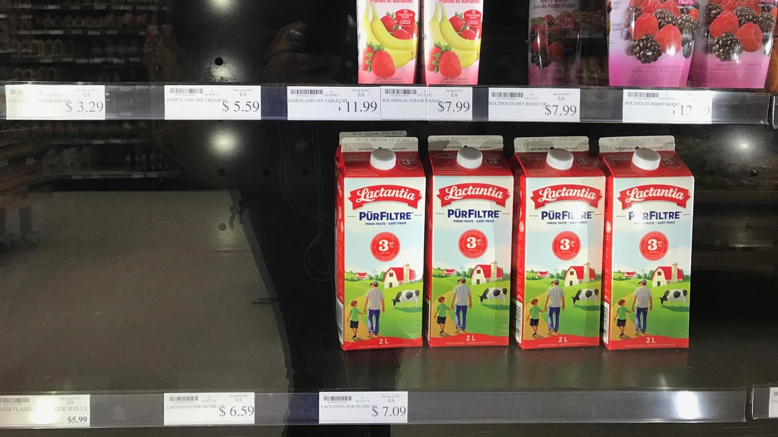 Des bouteilles de 2 litres de lait à 7 $