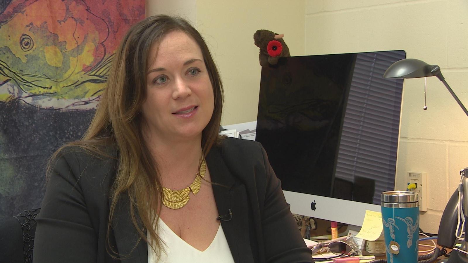 Lynda Balneaves, professeure associée en sciences infirmières de l'Université du Manitoba, se spécialise dans l'accès au cannabis médical.