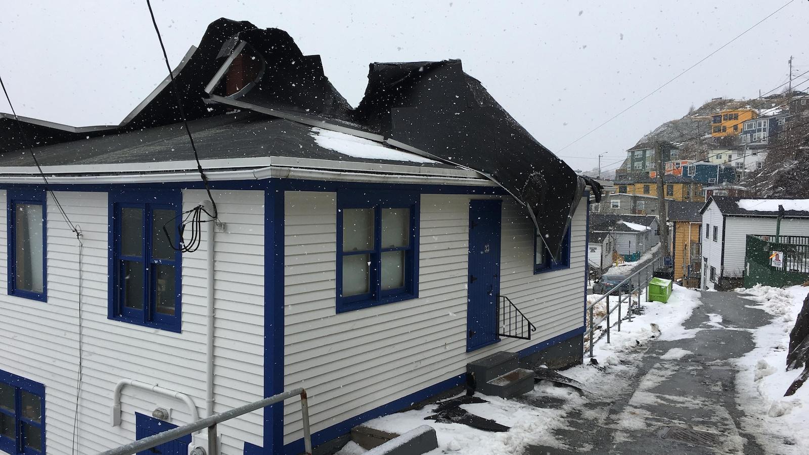La toiture de la maison de Judith Adler a été endommagée.
