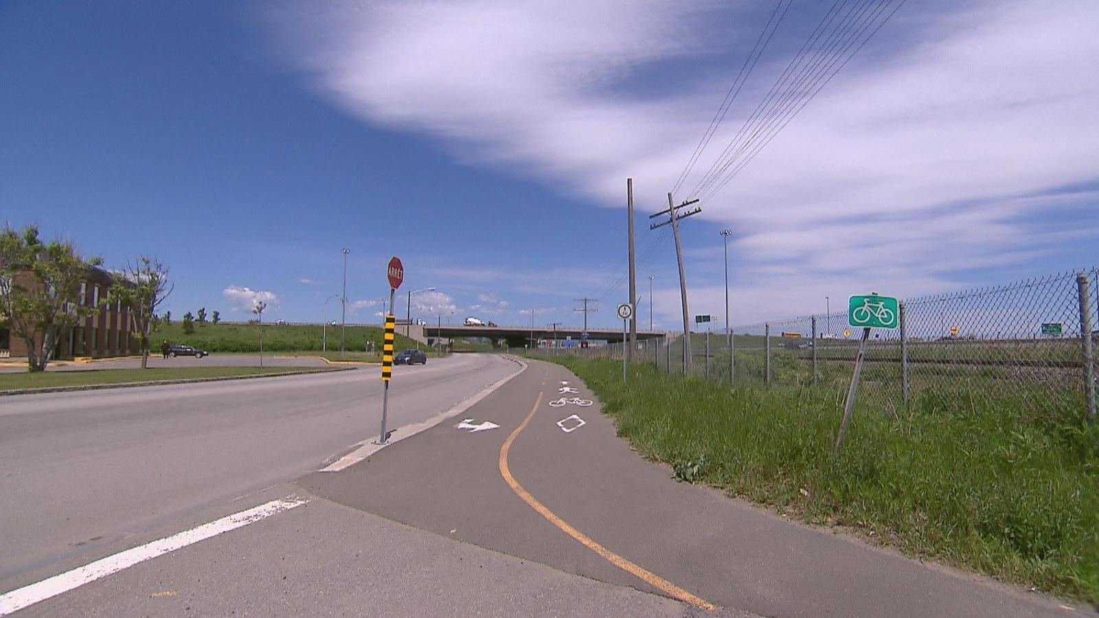 Piste de marche et de vélo dans le parc industriel de Québec