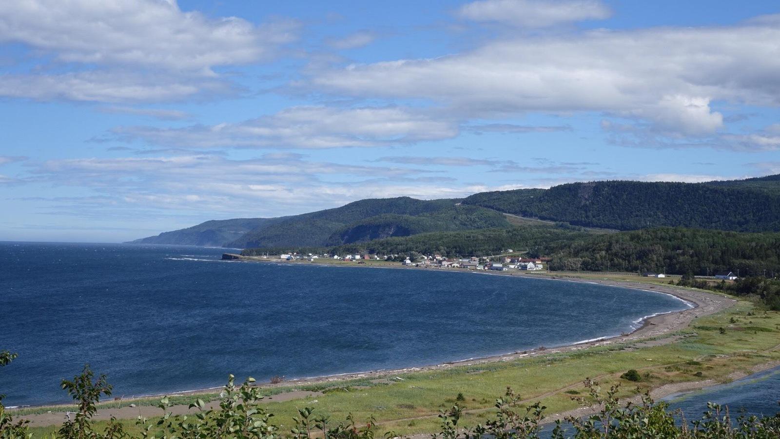 Plage du village de Sainte-Madeleine-de-la-Rivière-Madeleine en Gaspésie
