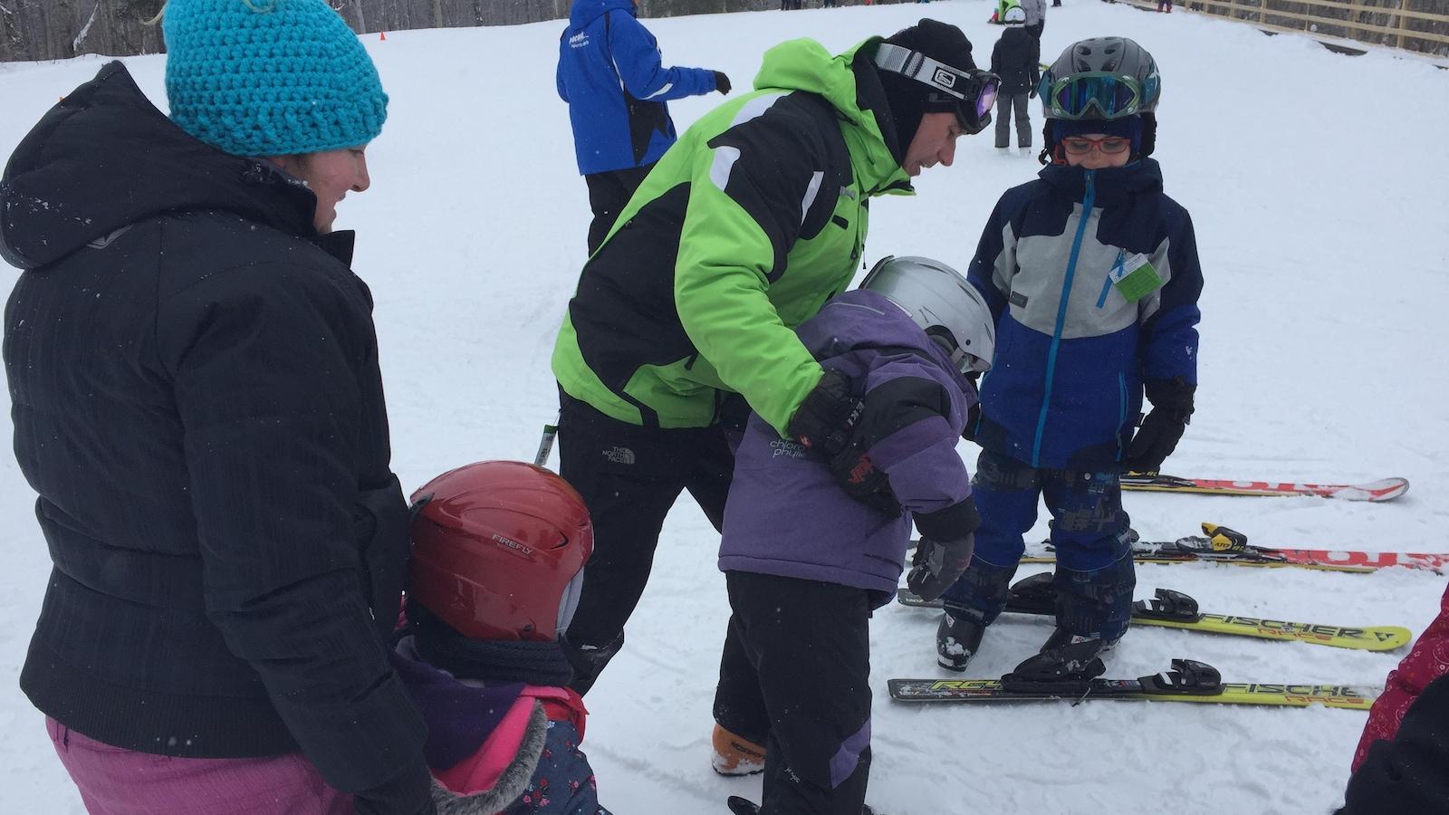 Initiation des enfants au ski, mont kanasuta