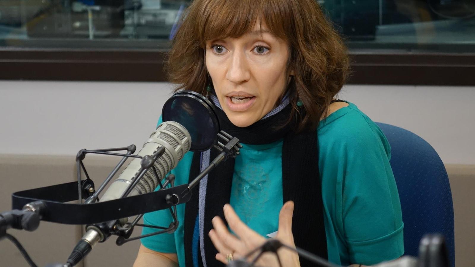 Stéphanie Demers enseigne au département des sciences de l'éducation de l'Université de Québec en Outaouais (UQO) et est la chercheuse responsable du volet UQO de l'ESSIMU.
