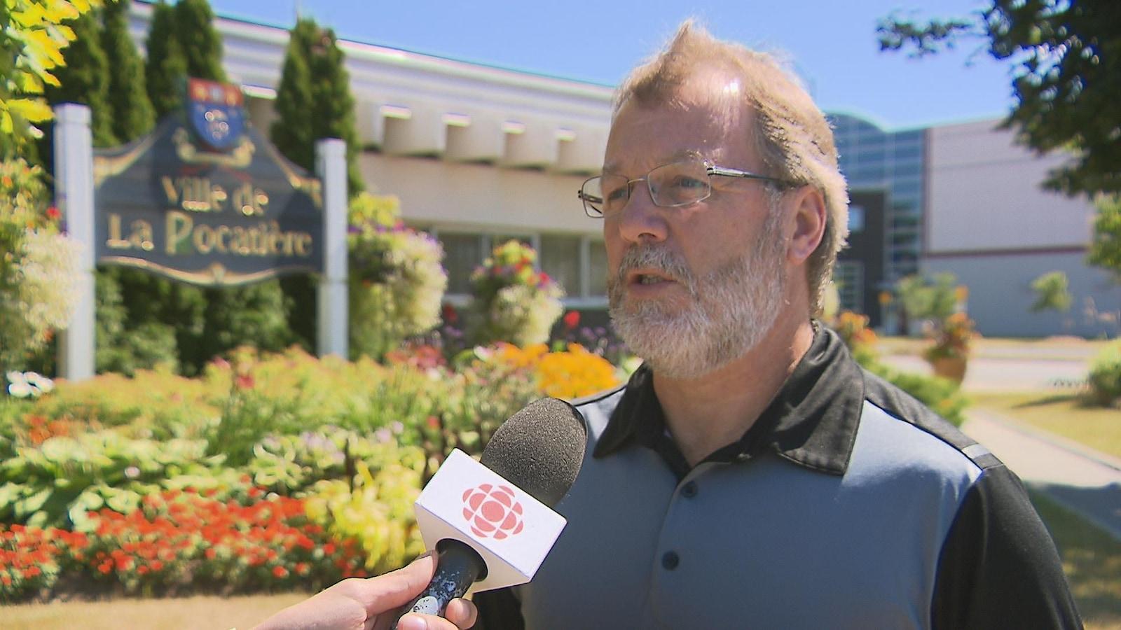 Le maire de La Pocatière, Sylvain Hudon, en entrevue avec Radio-Canada.