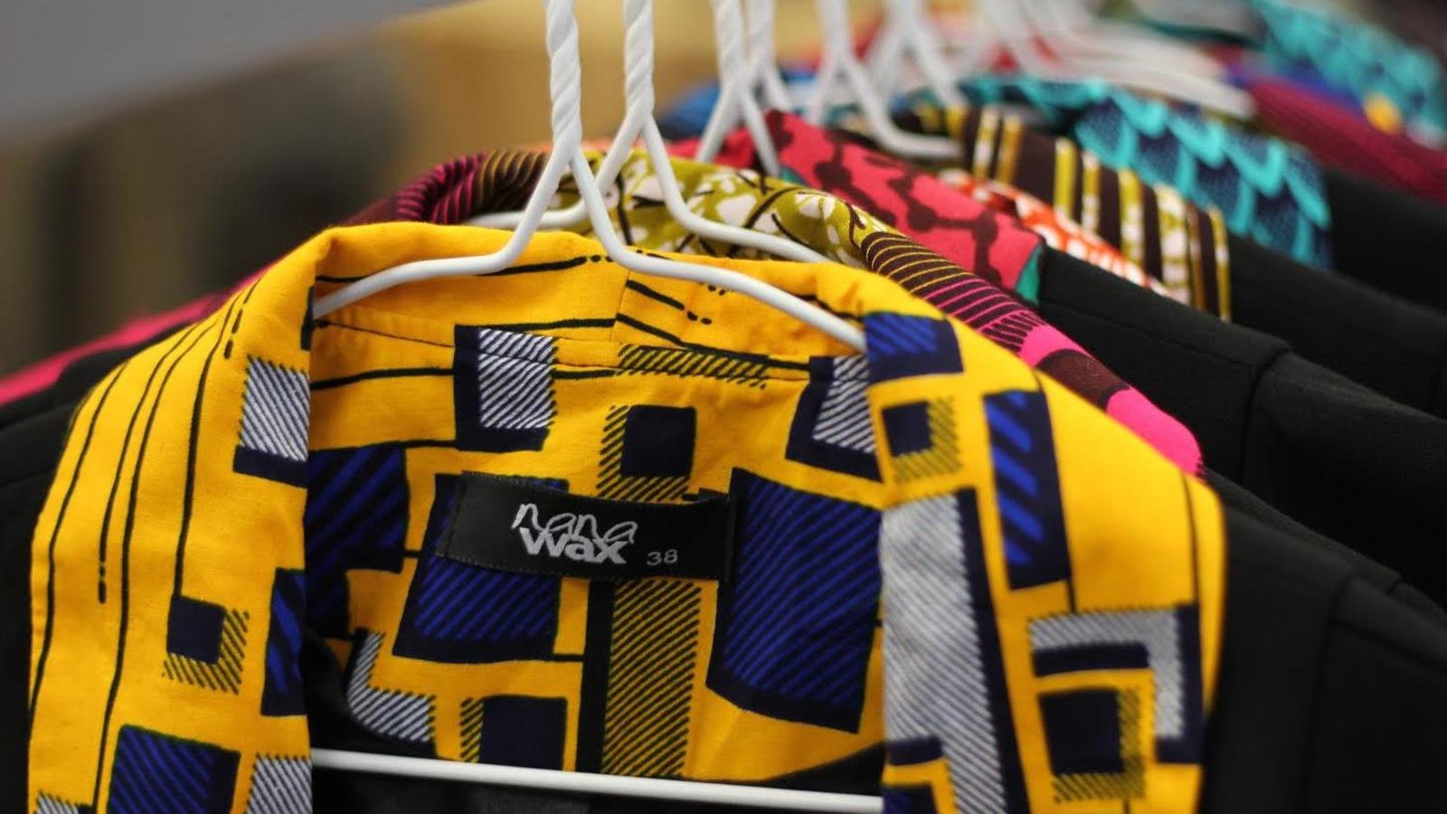Vestes inspirées de coupe occidentale se déclinent avec du wax