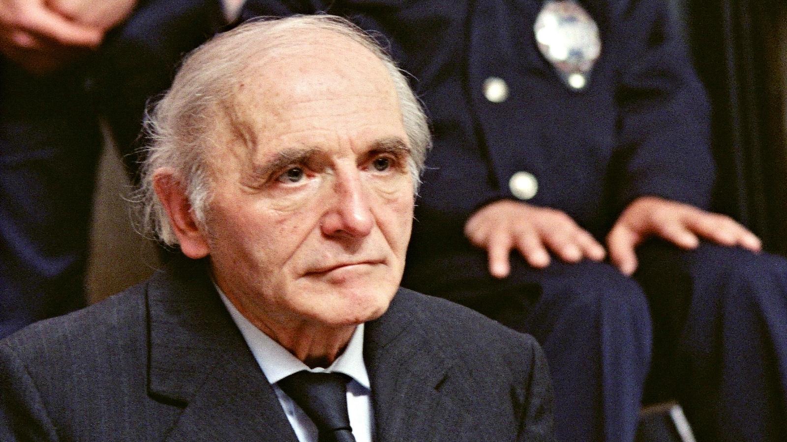 Le 11 mai 1987, Klaus Barbie est accusé de crime contre l'humanité.