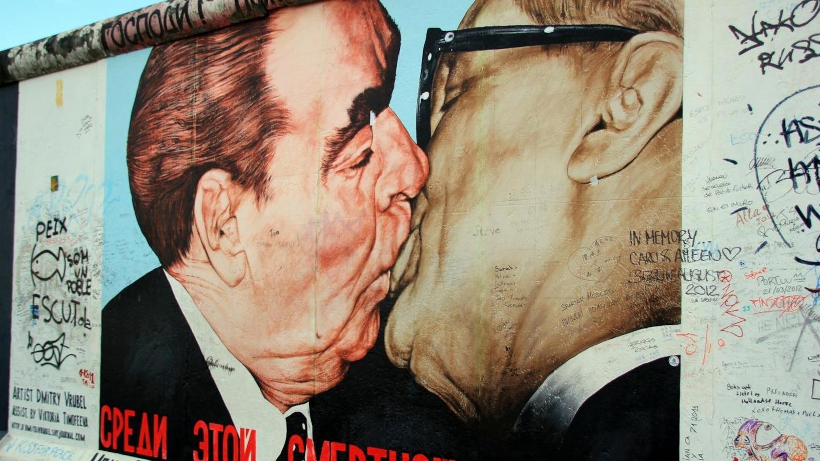 Murale sur le mur de Berlin.