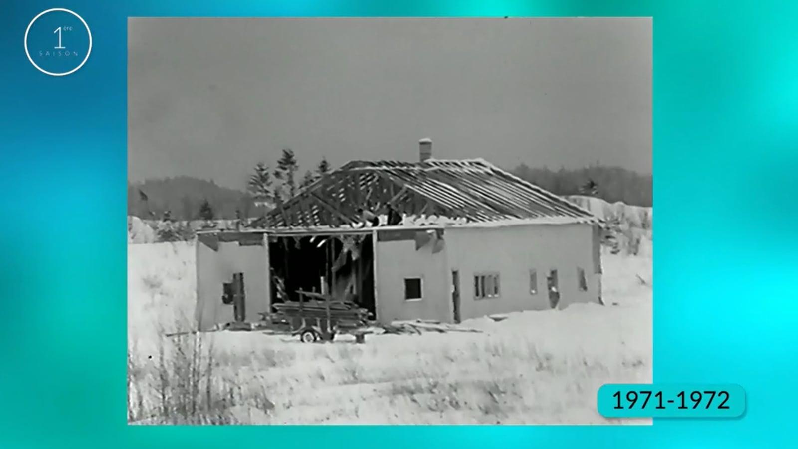 Une maison en démolition.