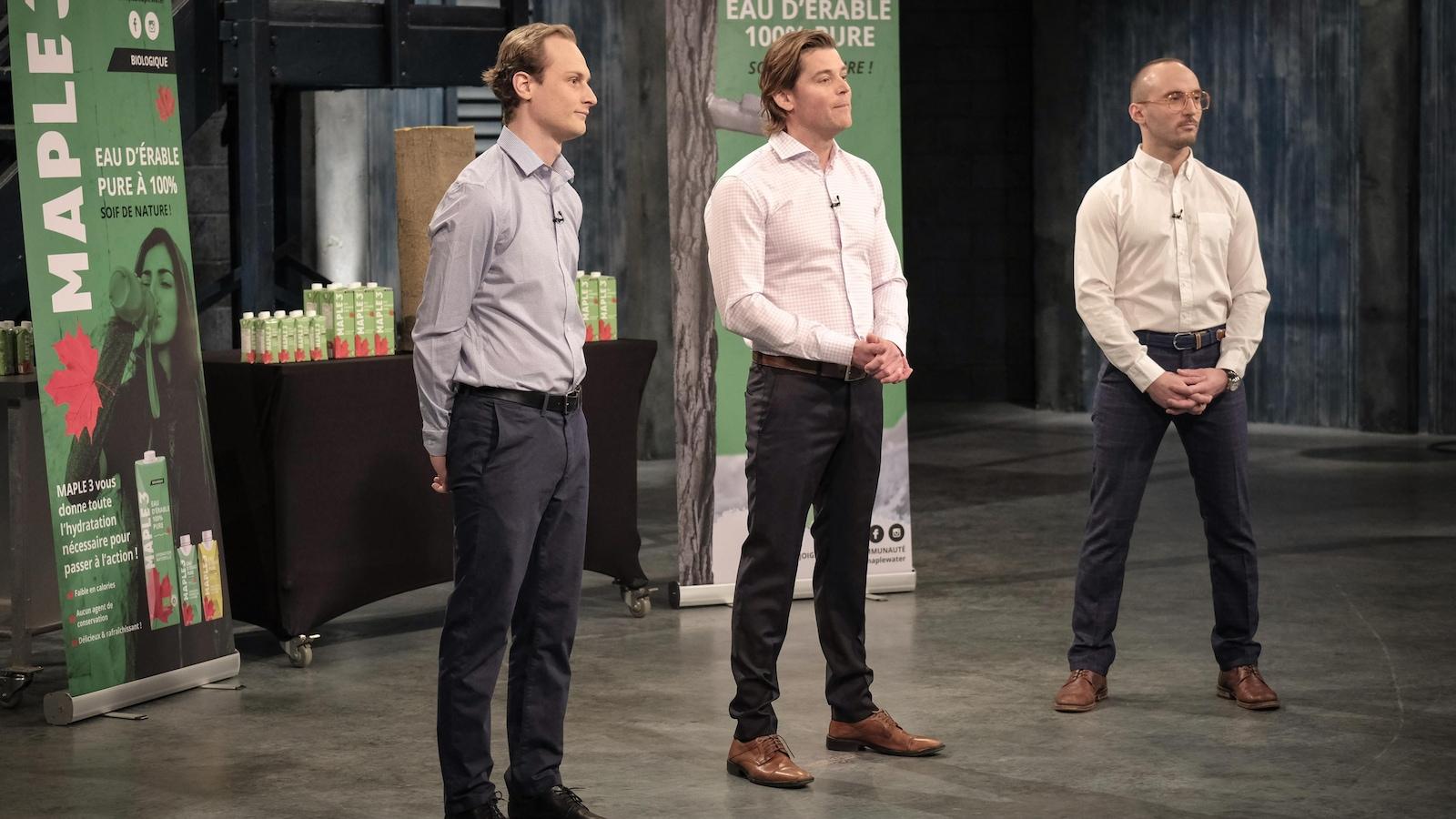 Les entrepreneurs de Maple 3 font leur présentation devant les dragons.